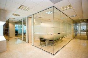 Butt-joined-glazed-office